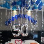 סידור בלונים ליום הולדת 50
